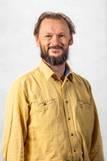 Headshot of Dr Leon Barmuta.