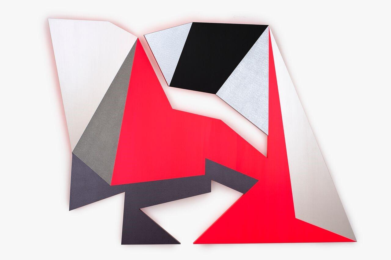 Samara Adamson-Pinczewski, Neon Crease, 2018. Courtesy of the Artist and Charles Nodrum Gallery, Melbourne