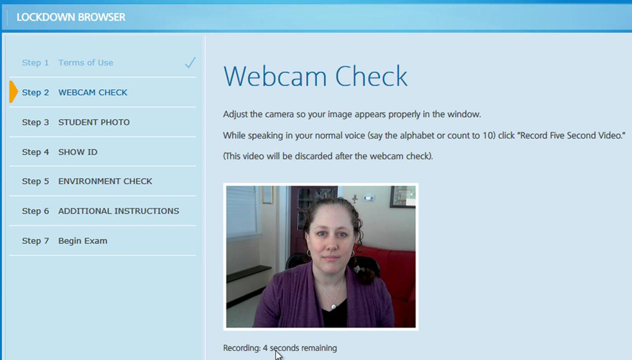 If your lecturer has requested the use of Respondus Monitor within your quiz, you will have to  use a Webcam and microphone and go through some steps before starting your quiz.