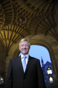 Alumnus Tim Walker wins a British Queen's honour