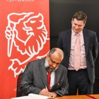 Consul General of the Sultanate of Oman visits Tasmania for the first time